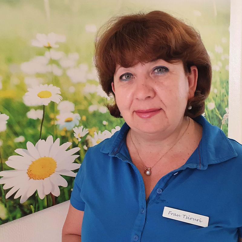 Mitarbeiter Tsiruri Zahnarztpraxis Dr. Grüttner Schroff